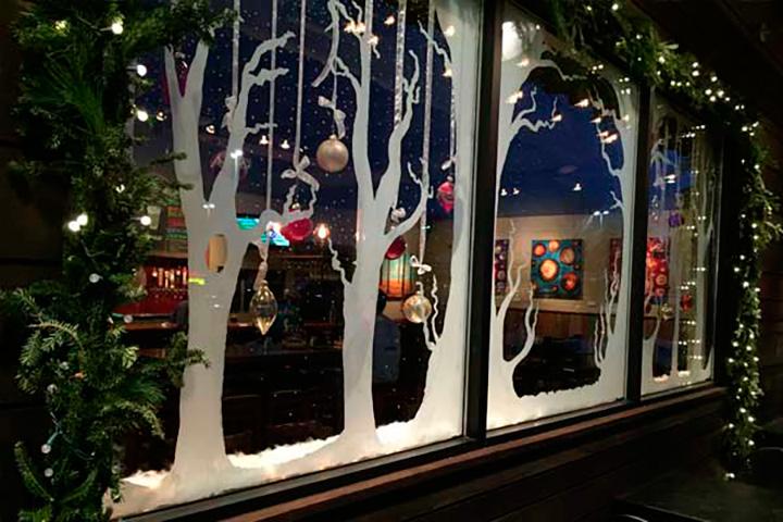 2015 Holiday Window Decorating Contest Winners